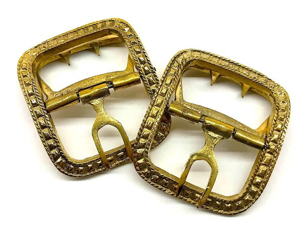 Shoe buckles, angular-shaped